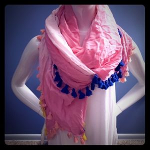 Express oversized scarf with tassel
